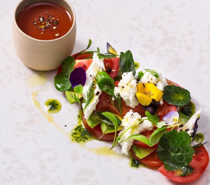 elafria-salata-me-anthotyro