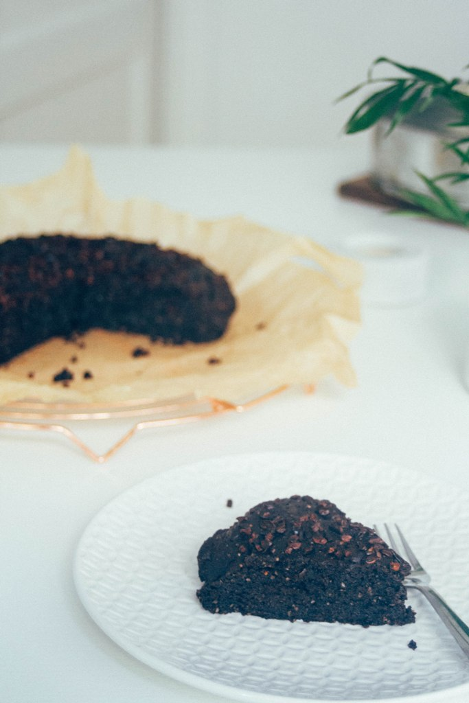dark-chocolate-cake-13